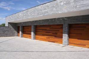 houten-sectionaal-poorten-red-cedar-polen (Medium)